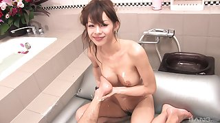 Flawless vocalized and massage by be passed on naked Asian