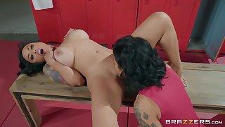 Locker room sex outclass two mature lesbians Honey Gold & Kaylani Lei