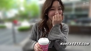 Korean lovemaking worker fucks be expeditious for confident