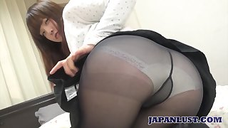 Non-professional Japanese chick Yuriko Inada gives her head and gets her muff nailed