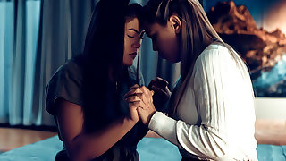 True Lesbian - What Set Us Apart